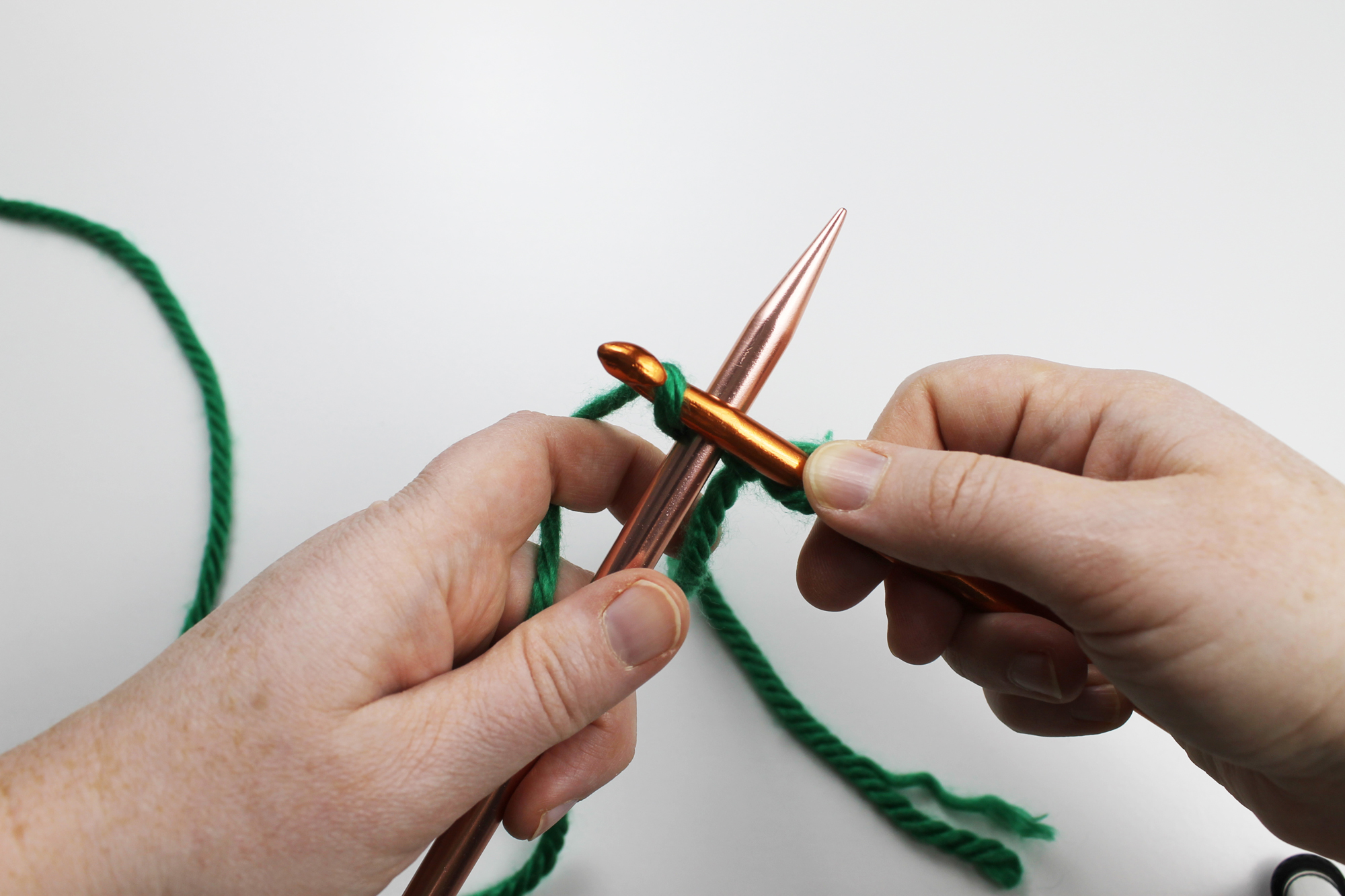 Crochet cast on Step 2
