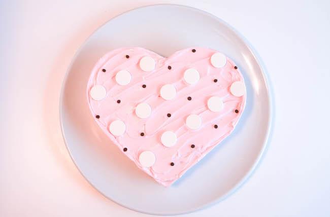 Easy Polka Dot Heart Cake