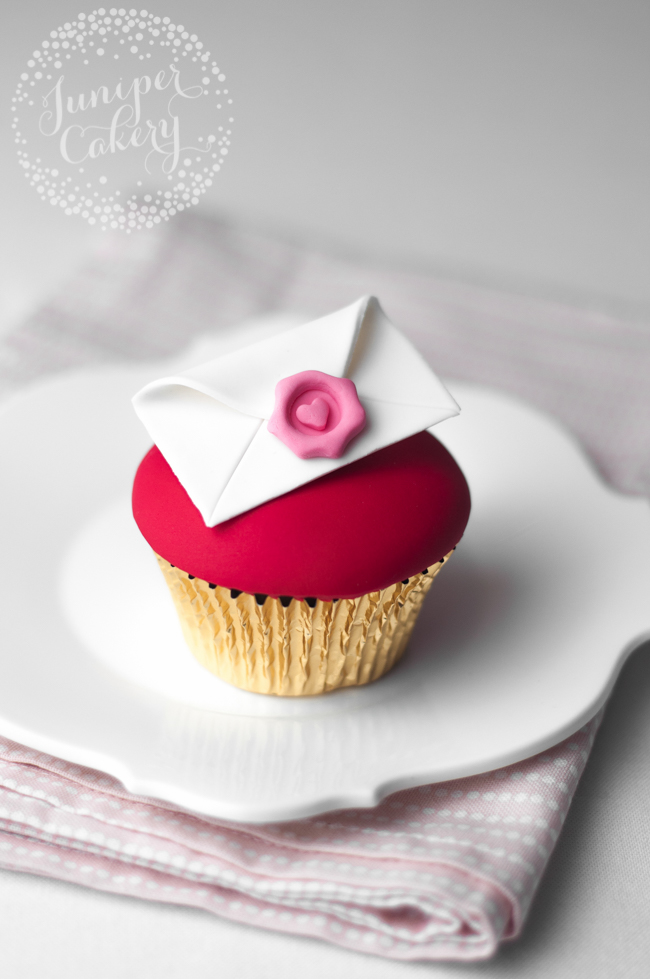 Make this cute love letter cupcake for your Valentine sweetheart