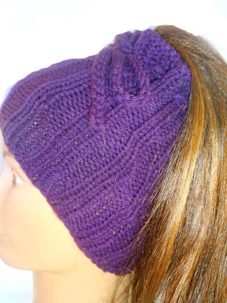 Ponytail Hat Knitting Pattern