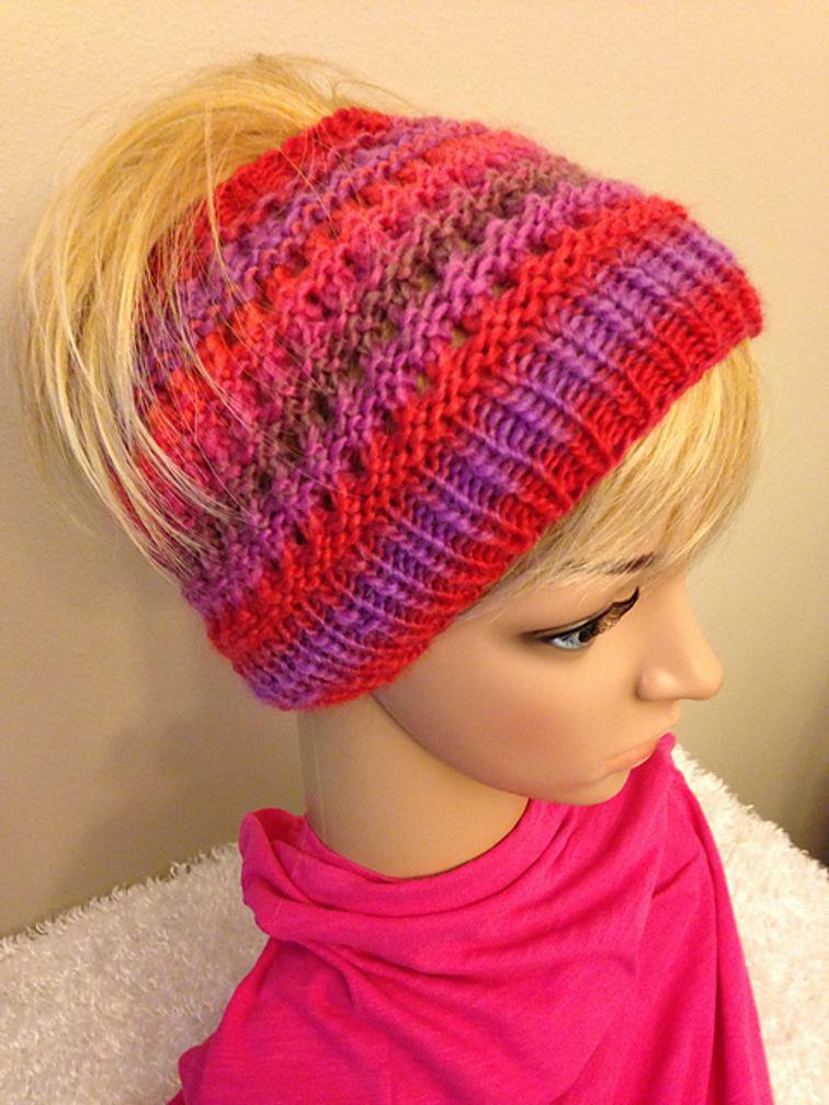 Easy Ponytail Bun Hat Knitting Pattern