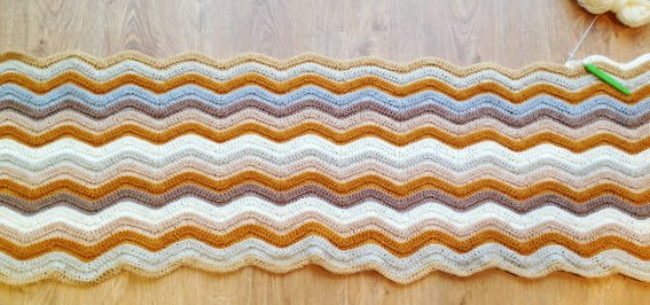 ripple crochet blanket in sandy beach colours