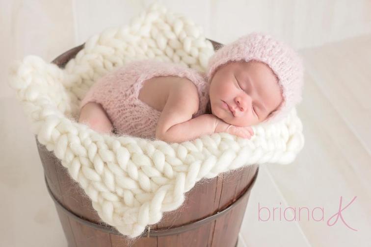 Roving Bump Baby Blanket Knitting Pattern