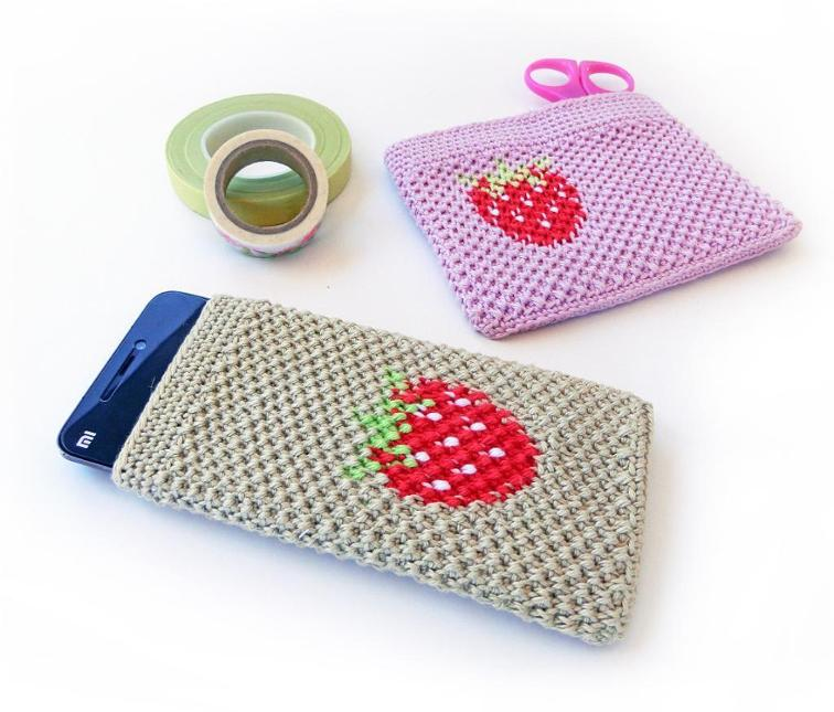 Strawberry Cover Phone Sleeve Crochet Pattern