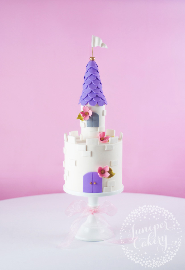 How to make a castle cake topper by Juniper Cakery