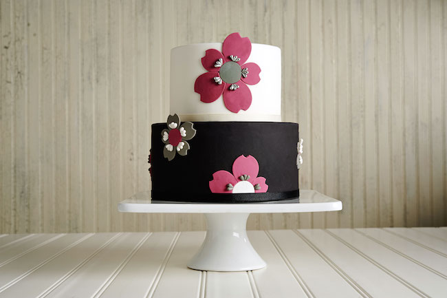 Black and White Flower Fondant Cake