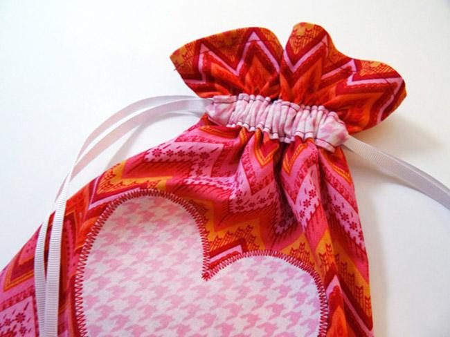 Simple Drawstring Bag with Straight Grain Single Fold Binding
