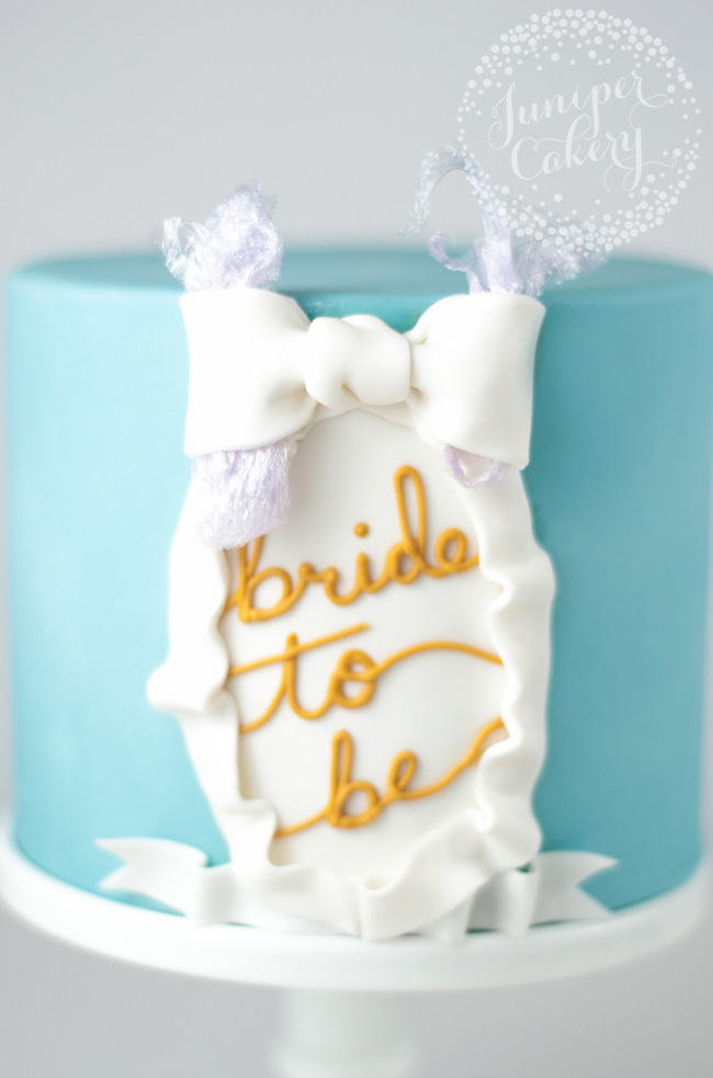 How to make an easy bridal shower themed cake