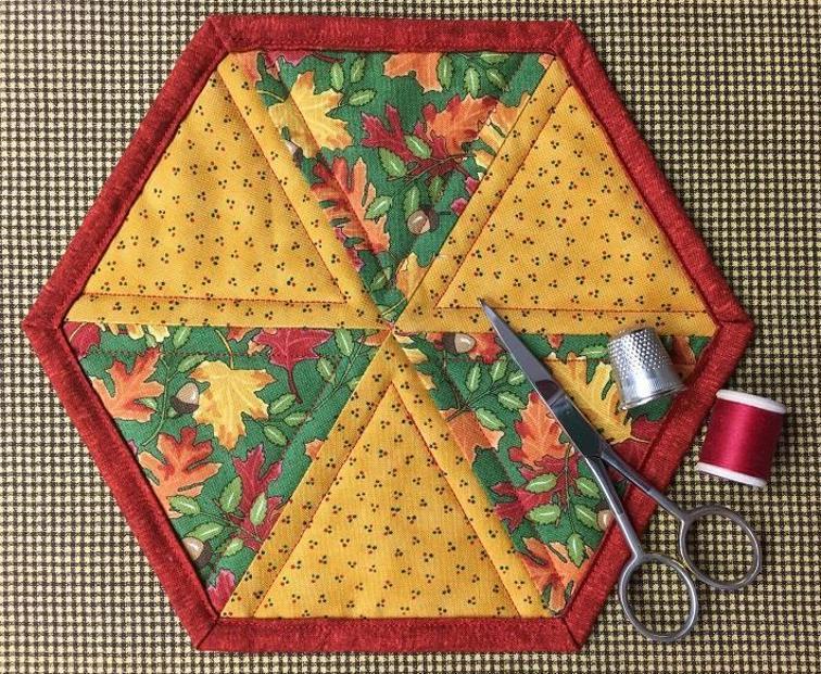 Easy Hexagon Mug Rug
