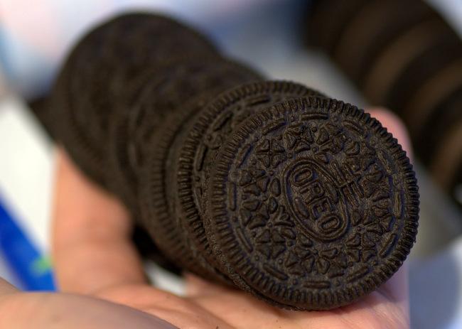 Oreo Cookie Cupcakes for Cookies n' Cream Lovers