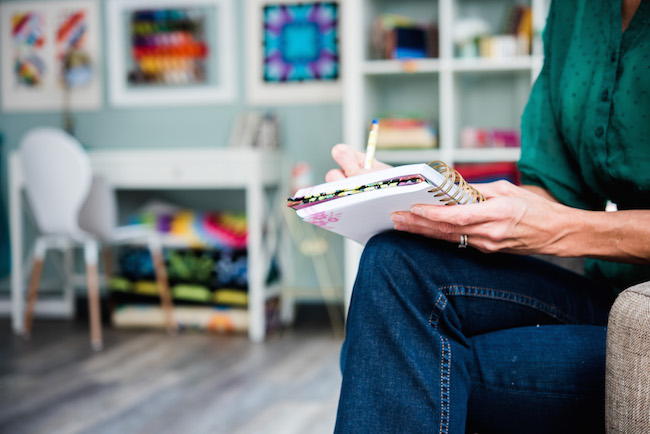 Taking Notes in a Craft Room