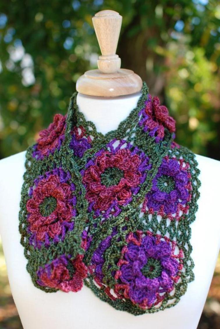 join as you go flower crochet cowl
