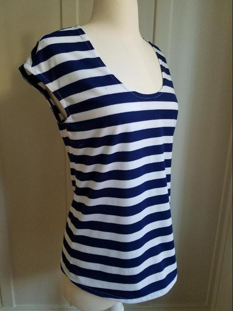 scoop neck t-shirt in stripe