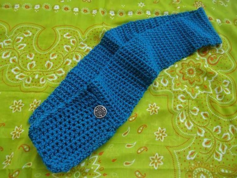 Trendy Pocket Scarf Crochet Pattern