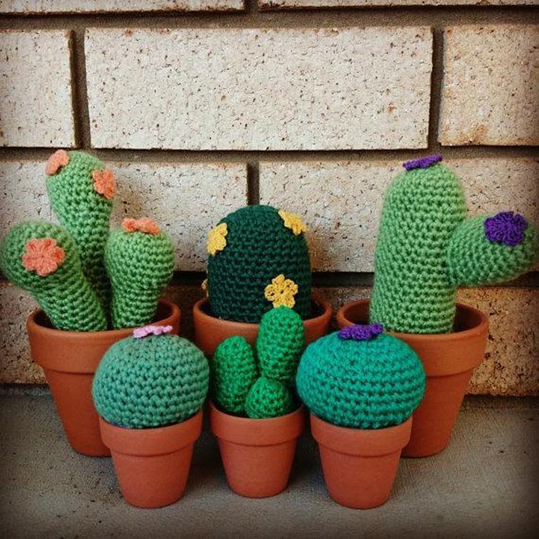 Small and Large Cacti Crochet Pattern