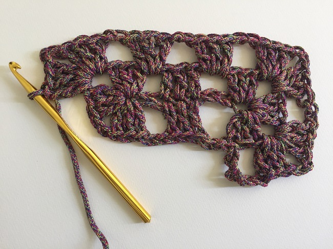 crochet granny rectangle round 2, step 5