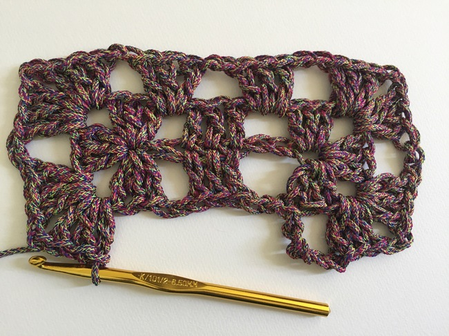 crochet granny rectangle round 2, step 6