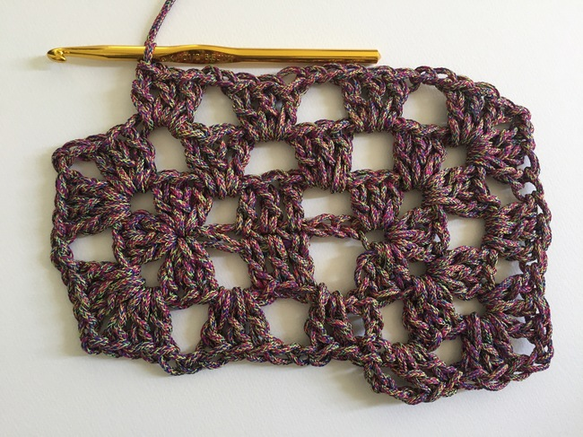 crochet granny rectangle round 3, step 3