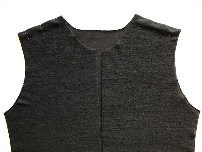 Hoodie shoulder seams