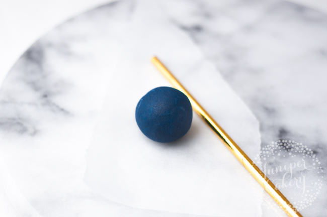 How to make Memorial Day cake pops