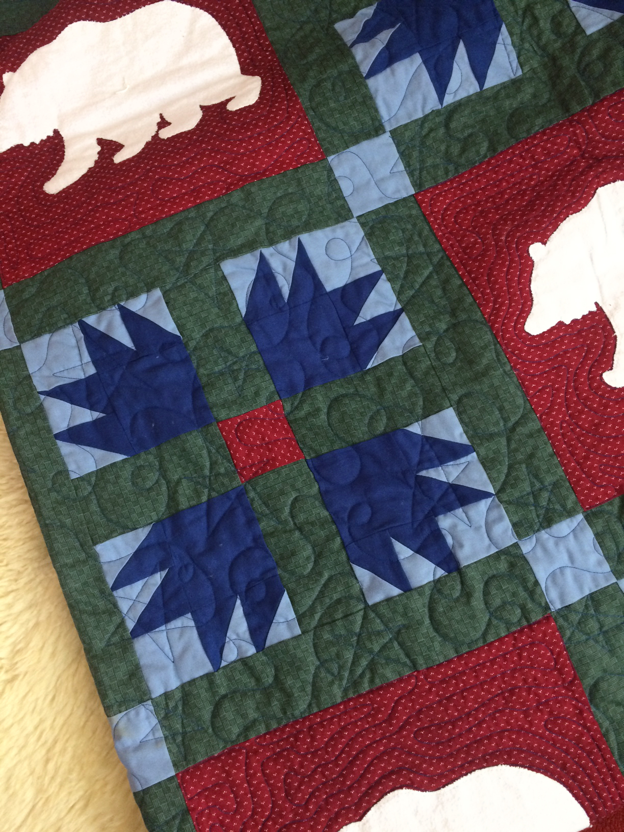 Margot Moutain Polar Bear Quilt