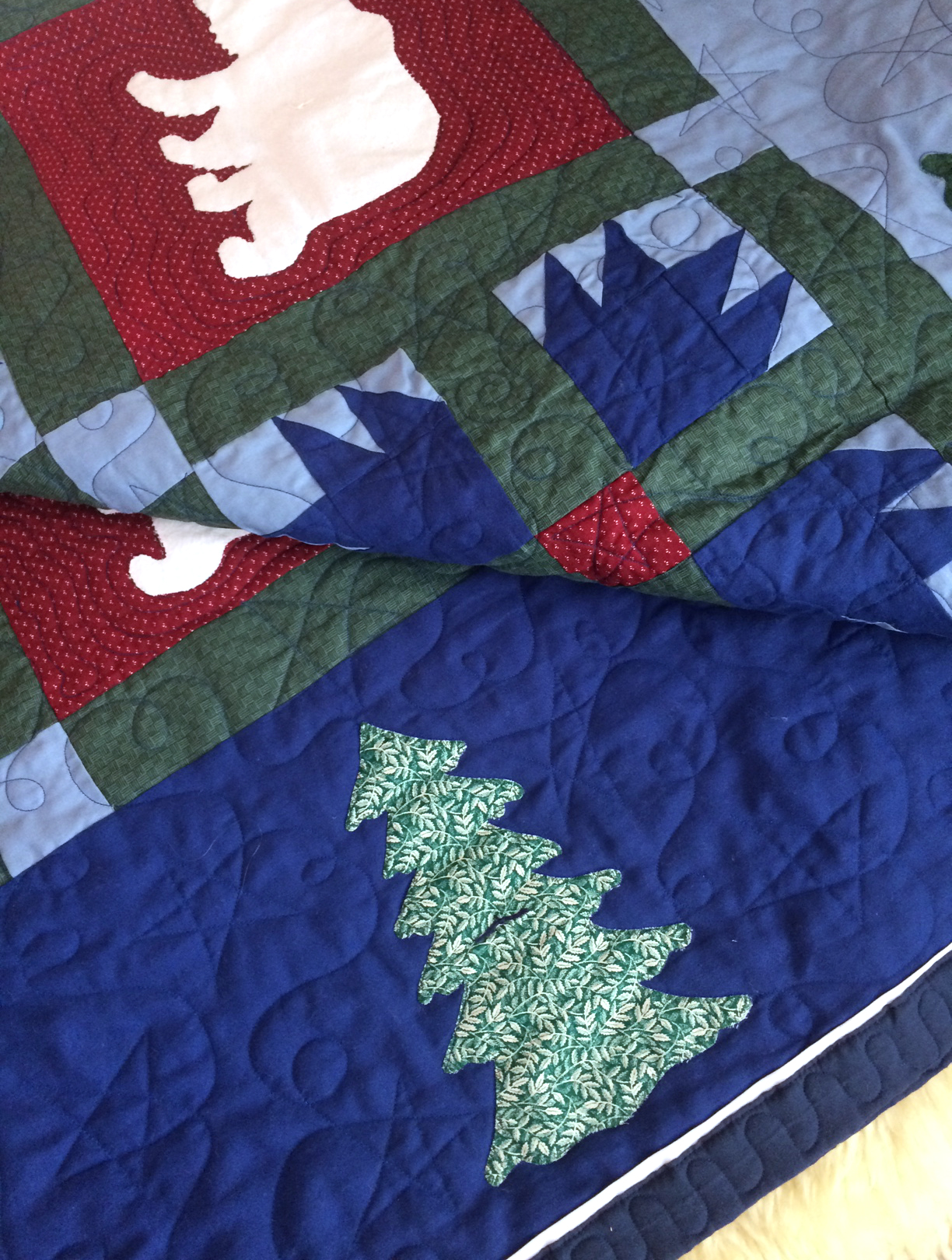 Margot's Moutain Polar Bear Quilt