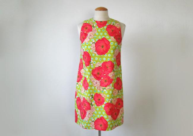 sleeveless summer dress in green poppy print