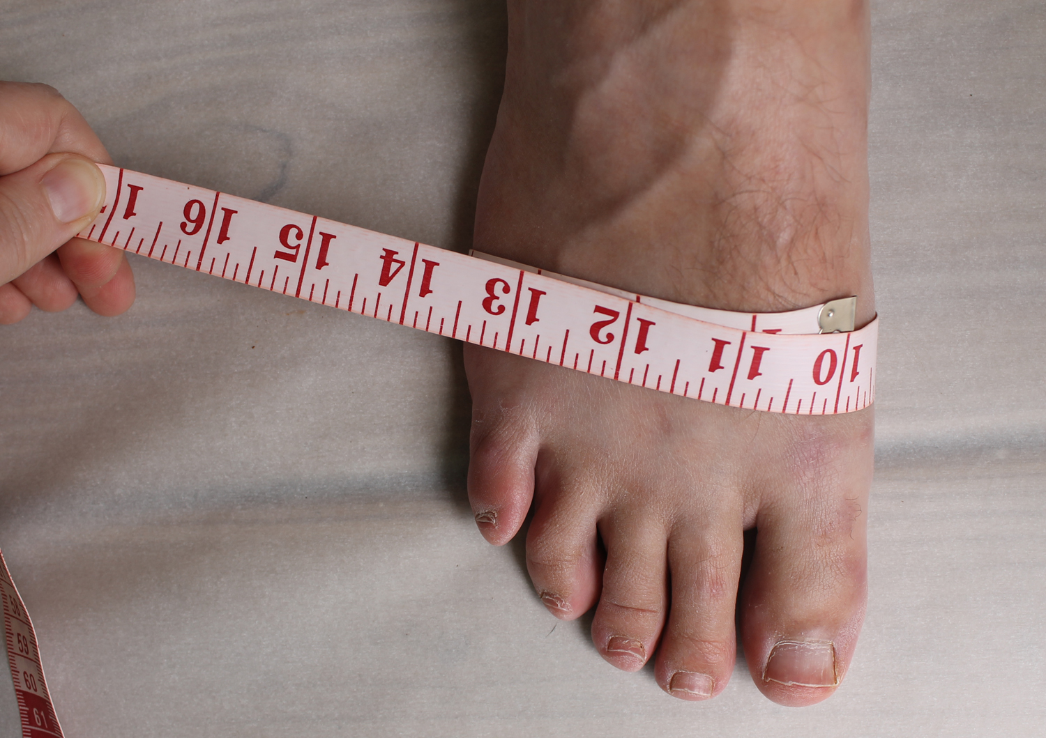 Measuring the widest part of your foot