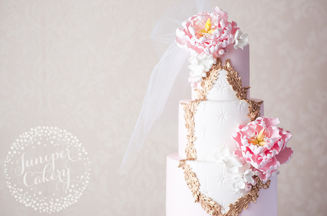 What habits can help when making sugar flowers