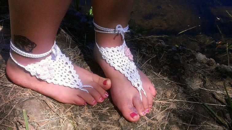 summer v barefoot sandals crochet pattern