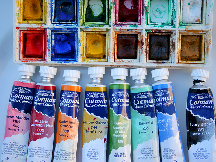 Watercolors in tubes versus in pans: what's the difference?