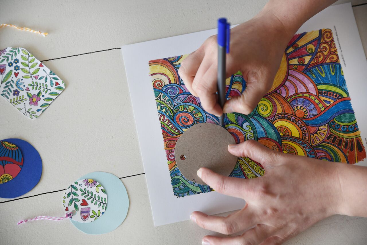 tracing a gift tag from a coloring page