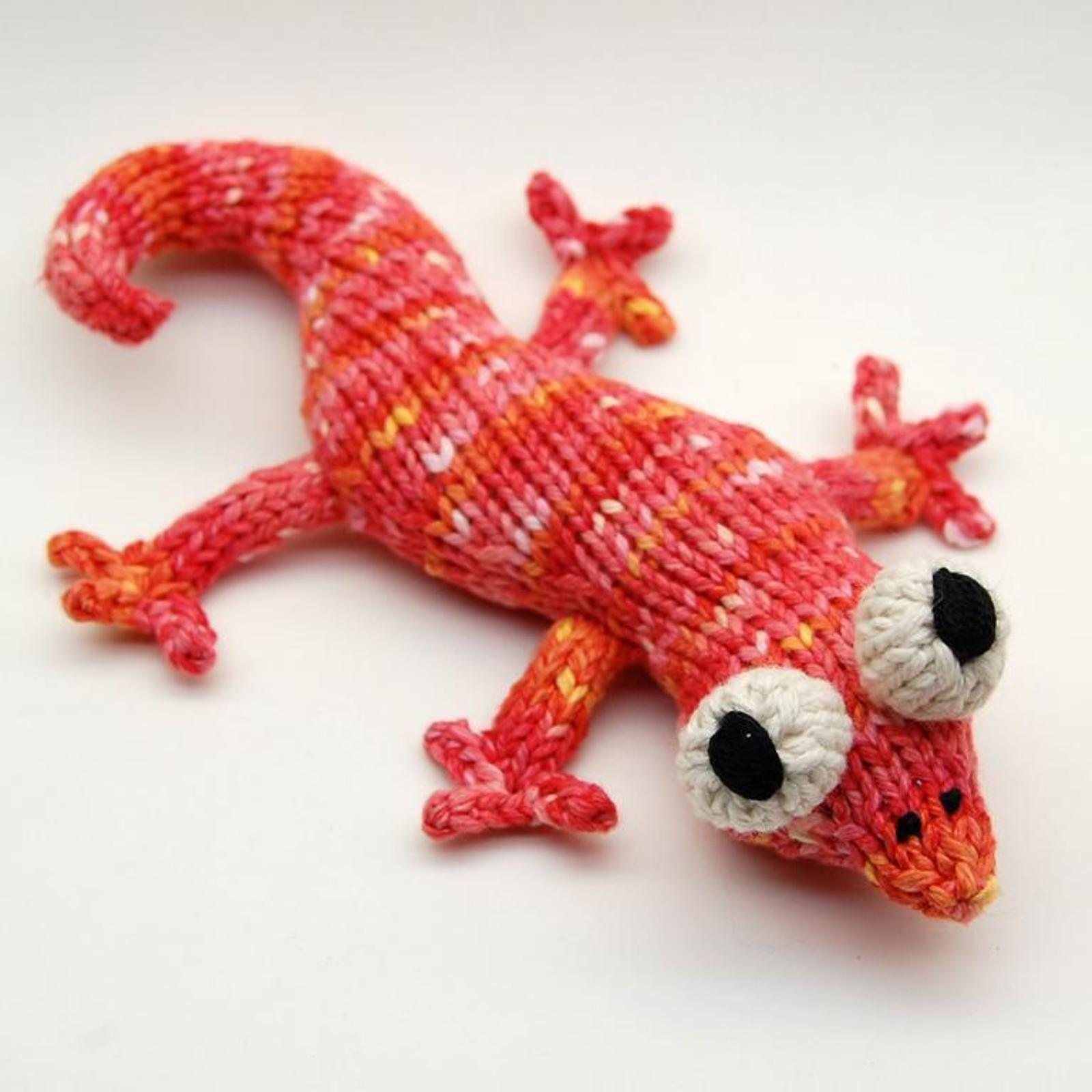 Eddie Lizzard Amigurumi Knitting Pattern
