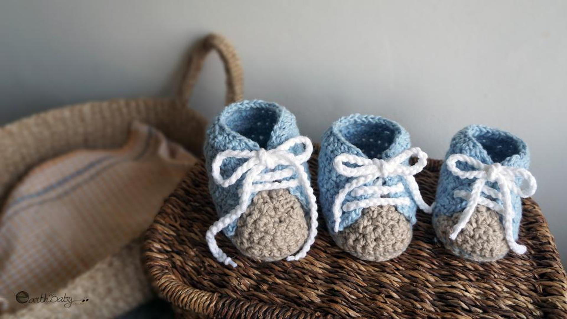 left hand baby shoes crochet pattern