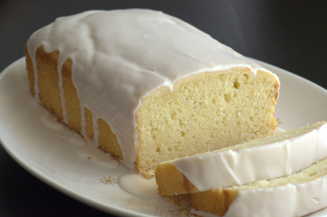 How to Make a Classic Lemon Loaf Cake in One Bowl
