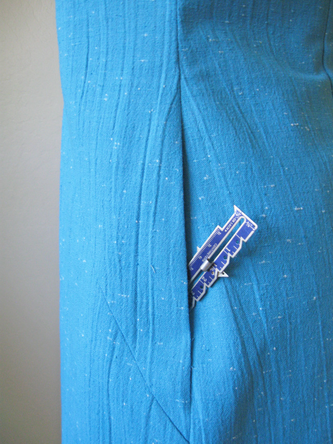 adding pockets to dresses
