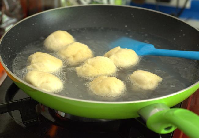 Boiling Pretzel Bites before baking
