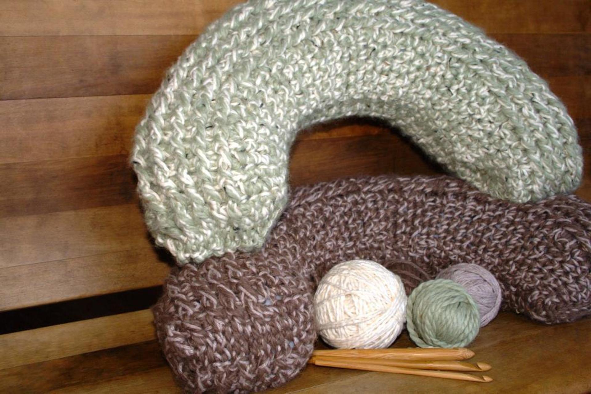 rolling hills neck pillow crochet pattern