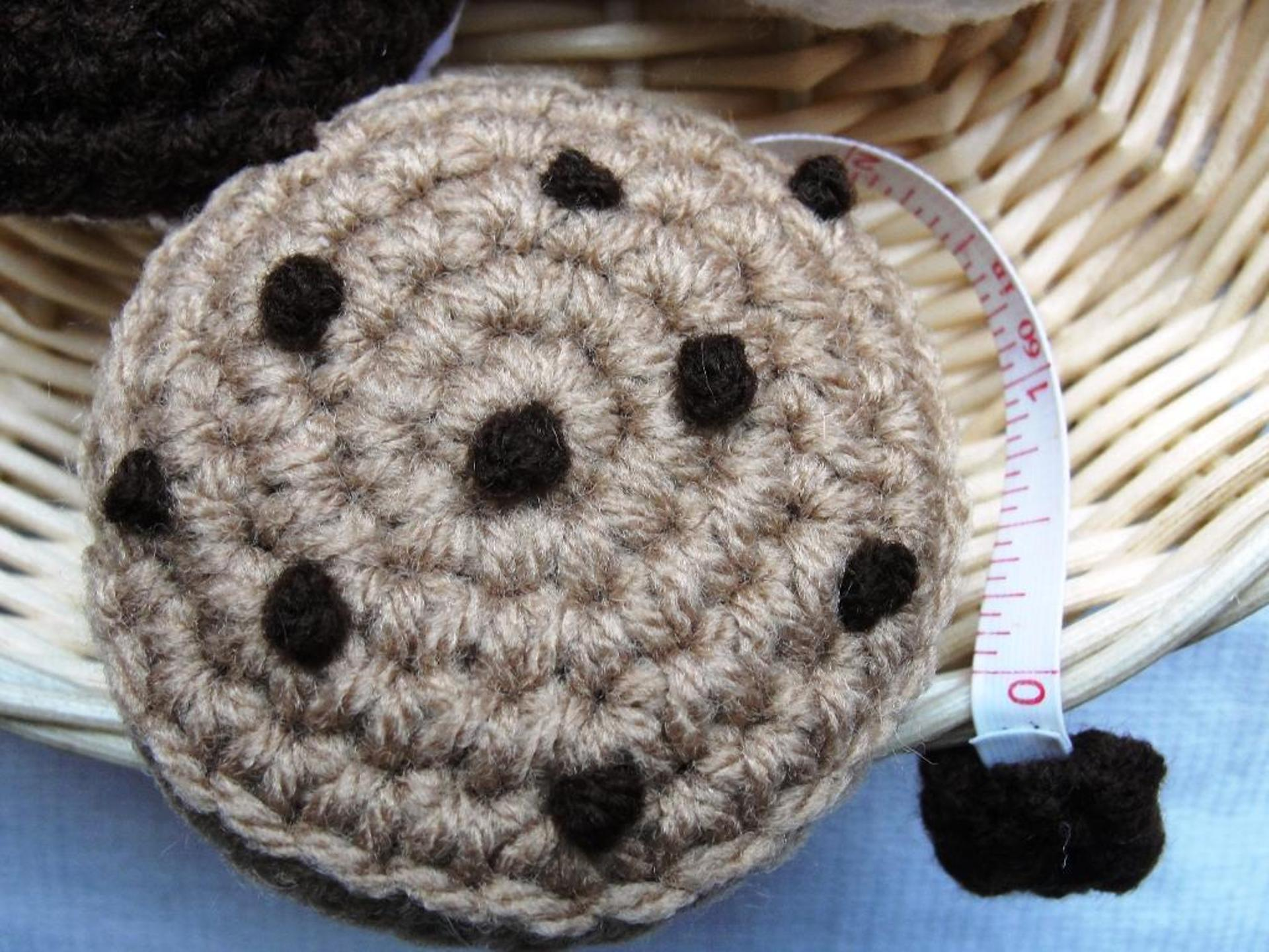 tape measure crochet cozy pattern