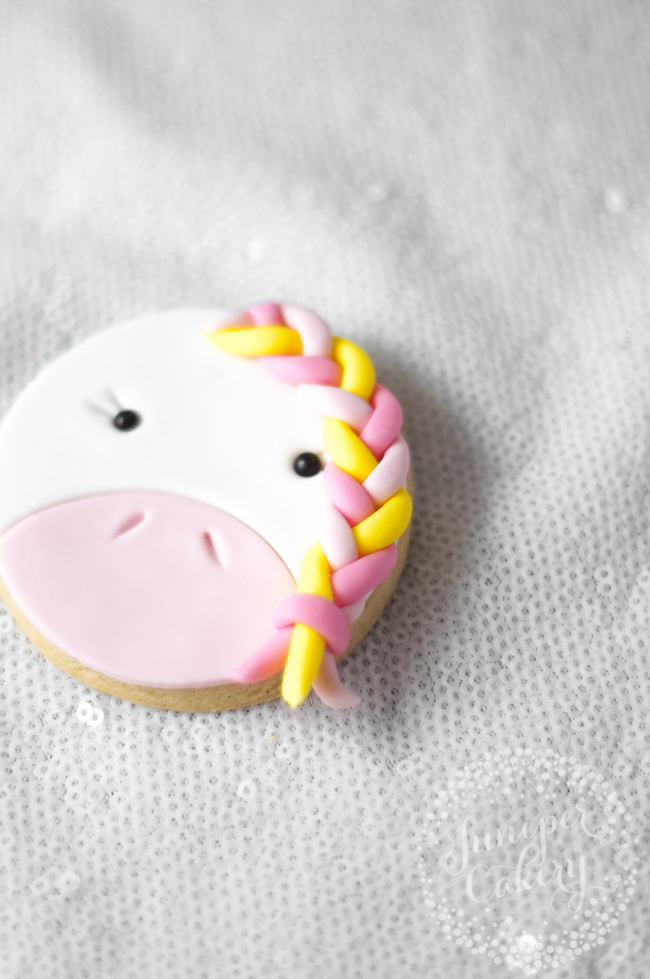 Stylish and fun unicorn cookie tutorial