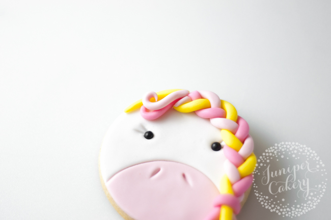 Adorable unicorn cookie tutorial