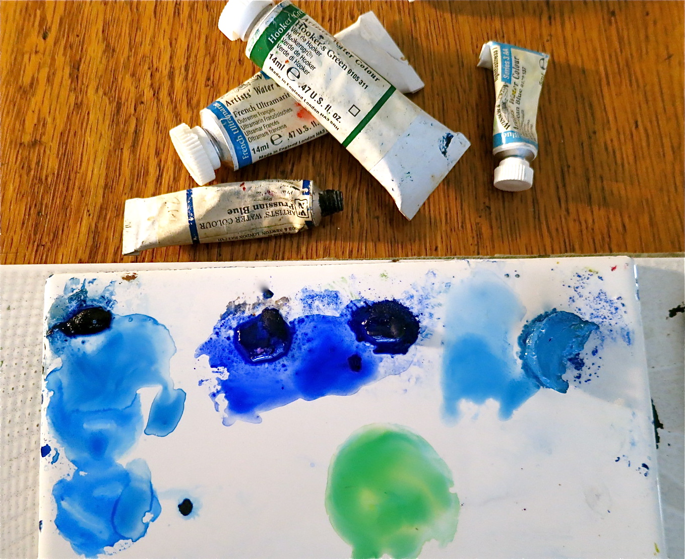 mixing watercolor paints