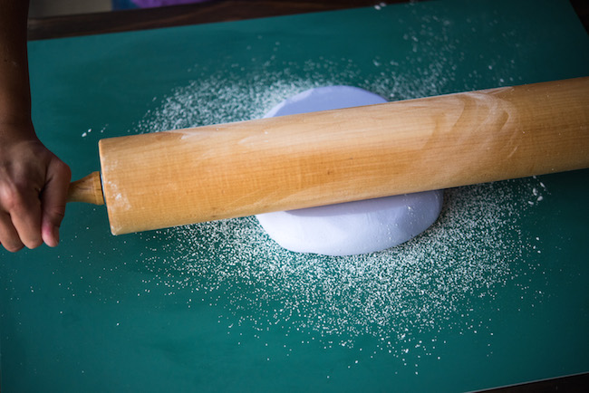 Rolling Fondant With Wooden Rolling Pin