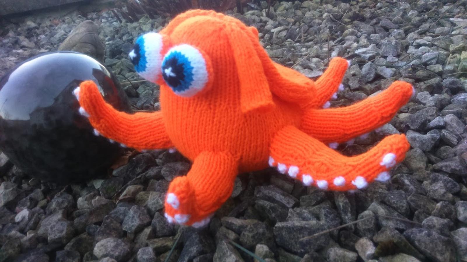 Hank the Octopus Knitting Pattern
