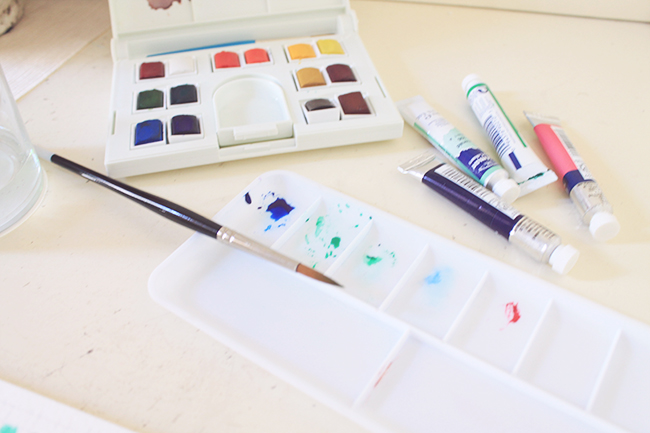 Watercolor palette and tray