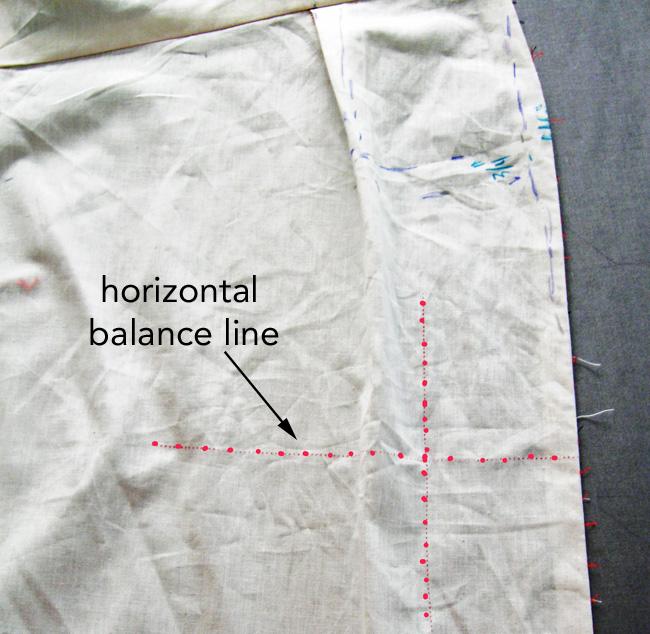 pattern piece with  horizontal balance line