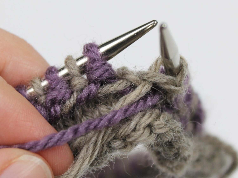 Knitting a Latvian braid needles
