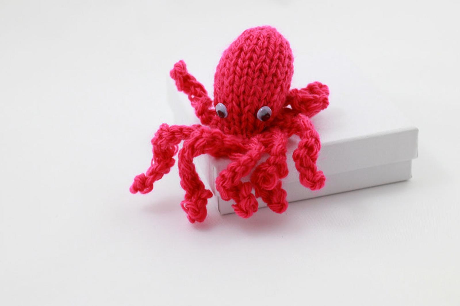Tiny Octopus Knit Toy