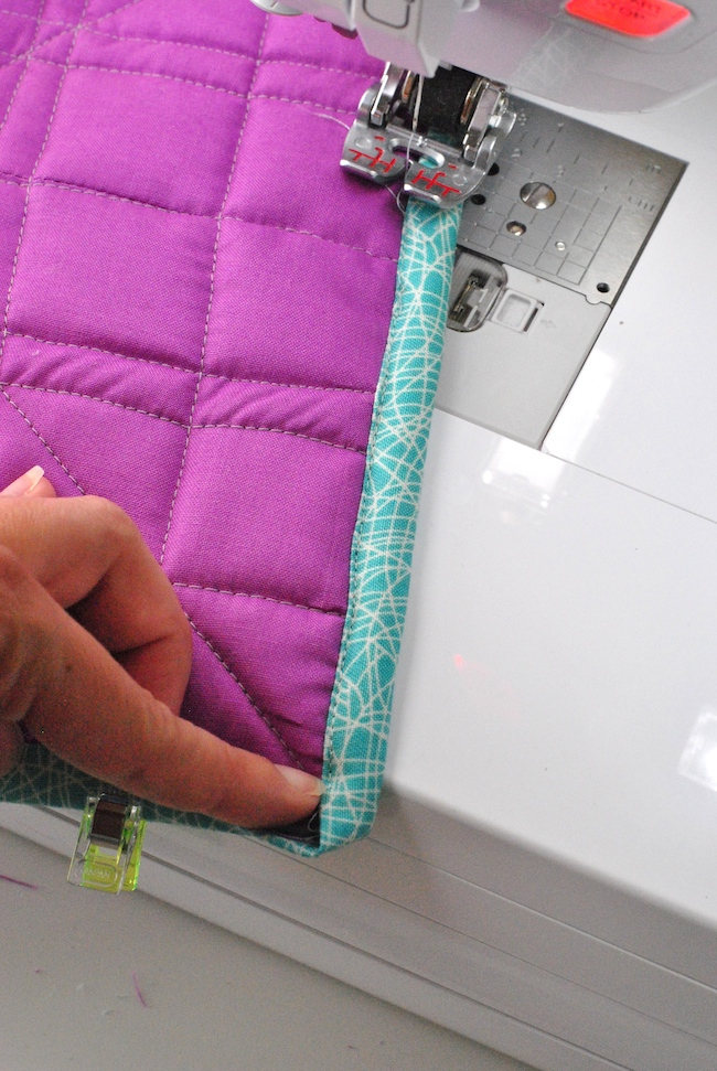 Sewing quilt binding on a sewing machine