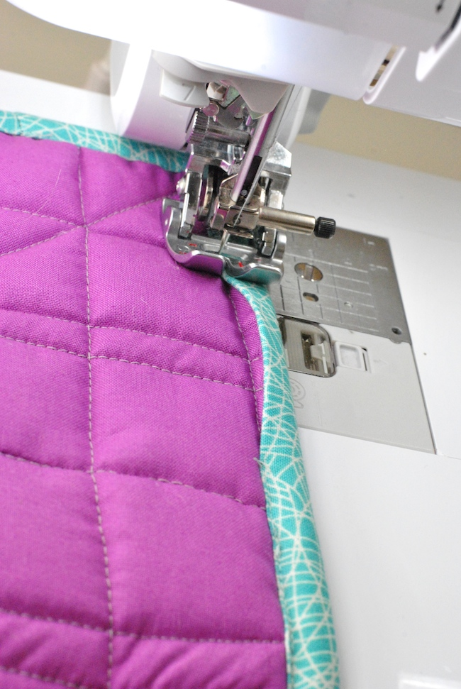 finish sewing quilt binding